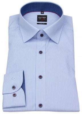 stark tailliertes Body Fit Hemd von OLYMP Level 5 in hellblau mit dunkelblauen Knöpfen